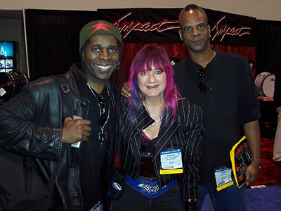 Shredmistress Rynata with Vernon Reid and R.M. after a fun jam session!